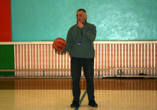 Судья баскетбольных соревнований